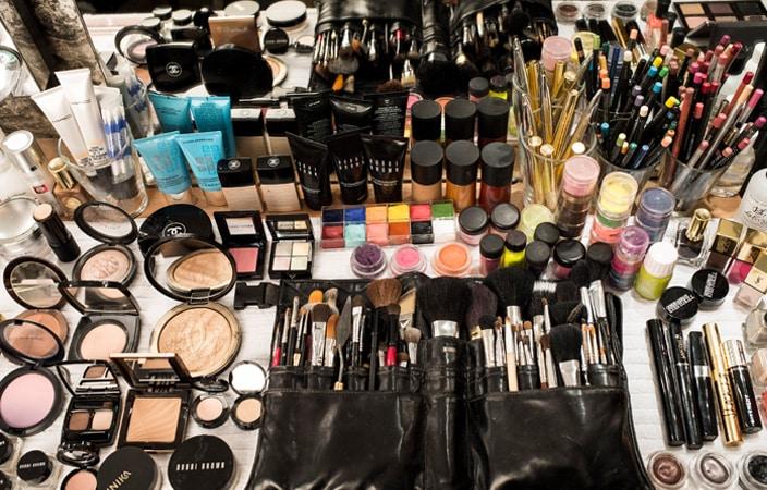 Makeup Artist S Kit Saubhaya